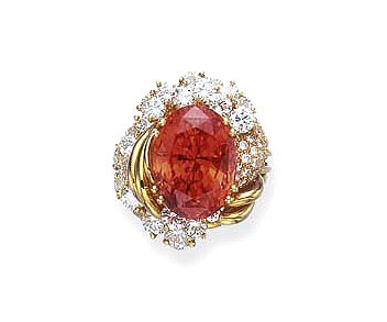Figure 4. Simply magnificent In 2005, this 20.84-carat padparadscha sapphire fetched US$18,000 per carat at auction.