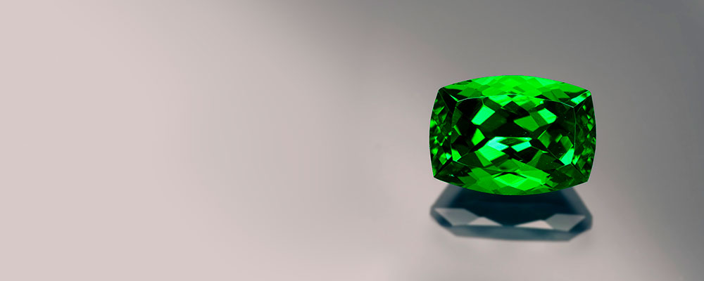 Tsavorite Garnet • Untamed Green Garnet Beauty